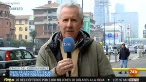 Lorenzo Milá informando en 'Los desayunos' (TVE) sobre el coronavirus en Italia.