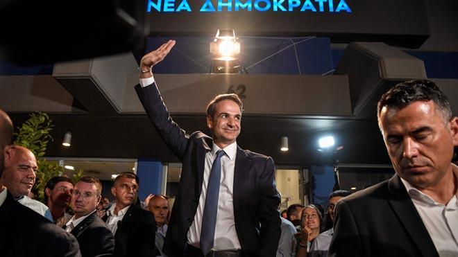 Los conservadores de Kyriakos Mitsotakis obtienen mayoría absoluta en Grecia.