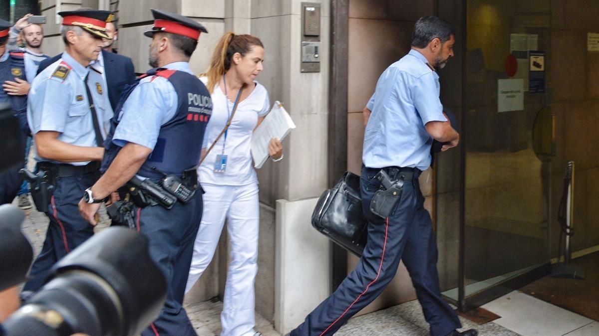 El major de los Mossos, Josep Lluís Trapero, entra en la Fiscalía este martes.