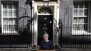 May, durante su declaración frente al 10 de Downing Street.