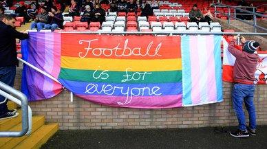 Ser gay en el fútbol es aún una mariconez