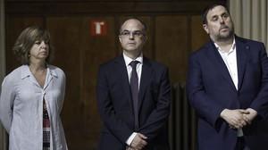 La 'consellera' de Governació, Meritxell Borràs; el 'conseller' de Presidència, Jordi Turull; y el vicepresidente del Govern, Oriol Junqueras.