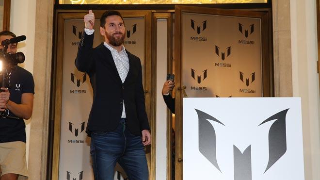 Messi presenta a Barcelona la seva línia de roba de vestir