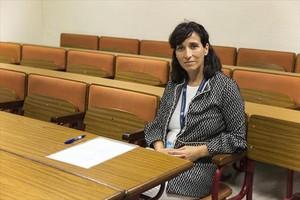 Mónica Cerdán, en una clase de la Ramon Llull.