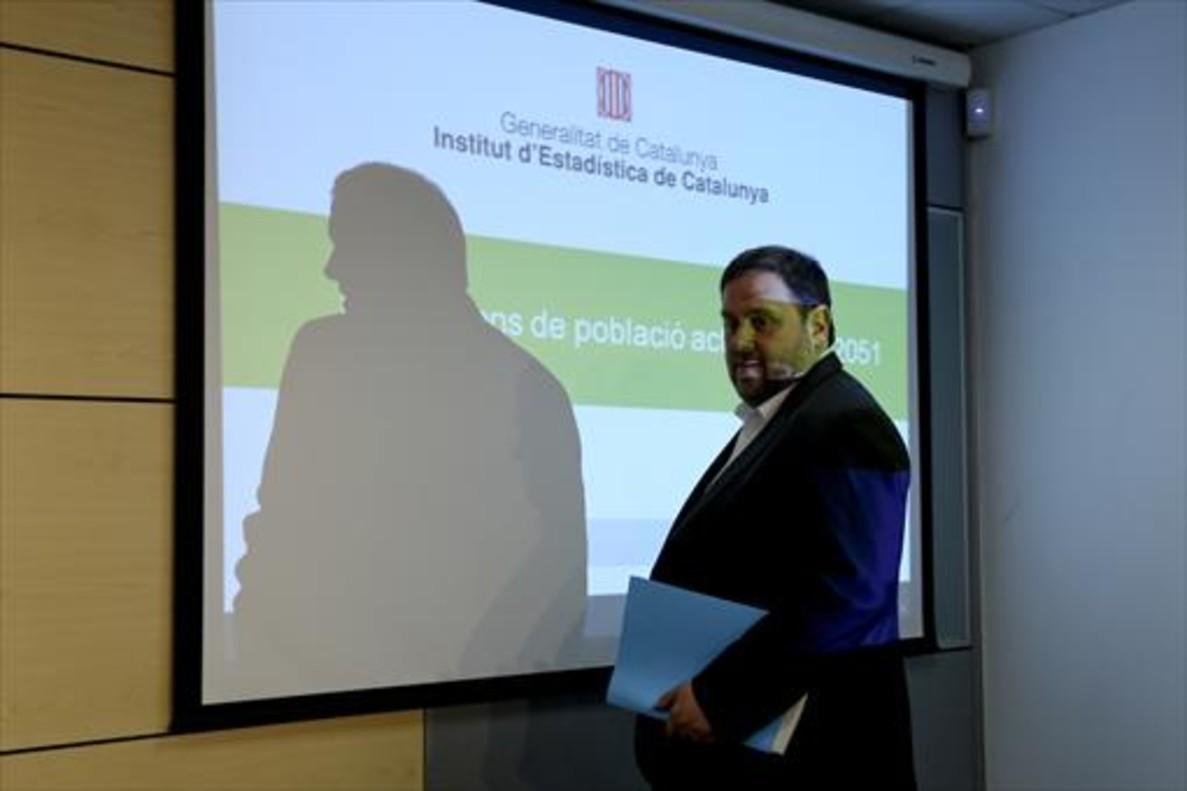 Oriol Junqueras, durante un acto en la Conselleria d'Economia antes de su cese y encarcelamiento.