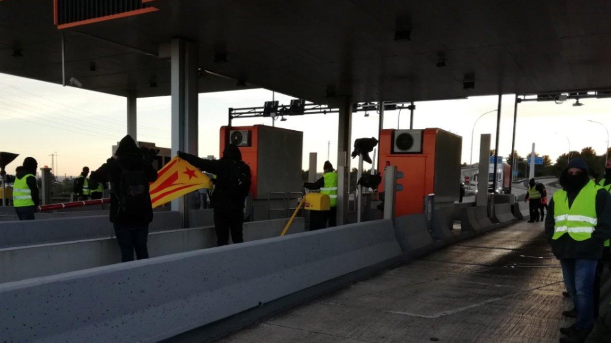 Últimas noticias sobre Catalunya, los CDR y Quim Torra | Directo