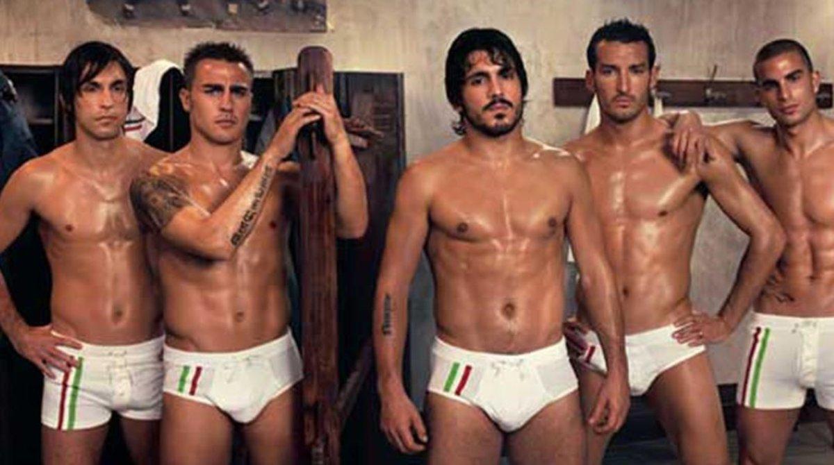 Pirlo, Cannavaro, Gattuso, Zambrotta y Blasi, en el Milan del 2006, en un anuncio de Dolce Gabbana.