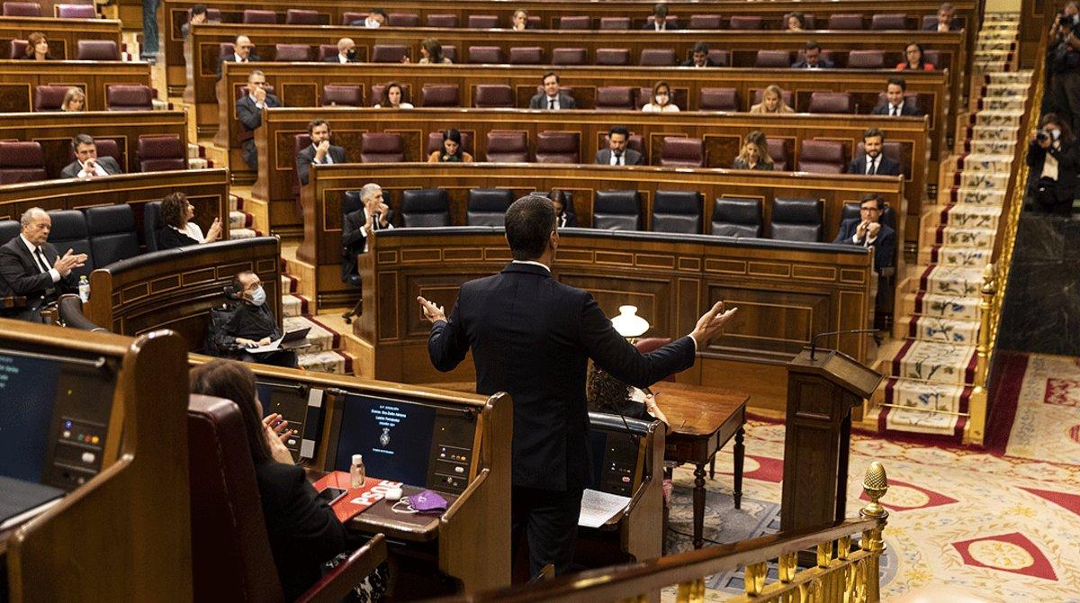 El presidente del Gobierno, Pedro Sánchez, durante la sesión de control al Gobierno, en el Congreso, el 3 de junio.