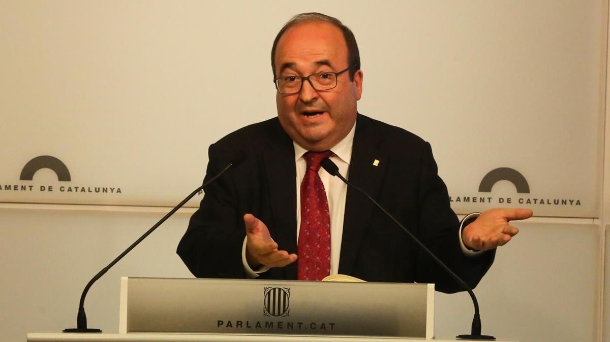 El primer secretario del PSC, Miquel Iceta, en el Parlament.