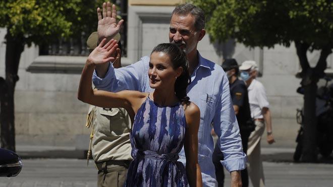 Els Reis inicien la visita a Sevilla en un dels barris més pobres d'Espanya
