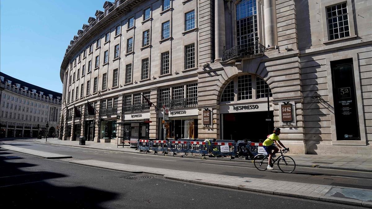 Una calle de Londres vacía este lunes.