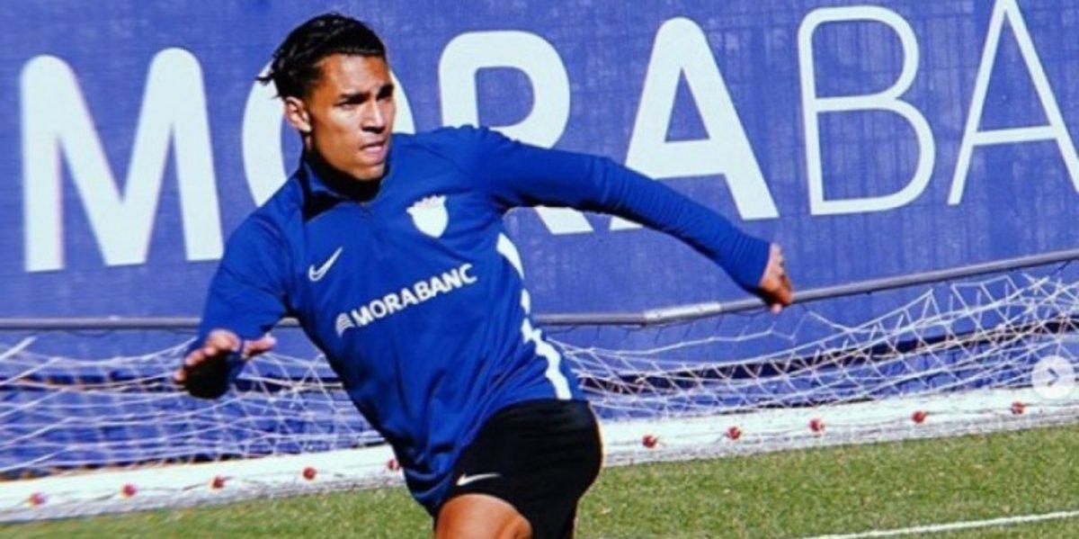 Tarik Antonio Mebarak con el uniforme de entrenamiento del Andorra.