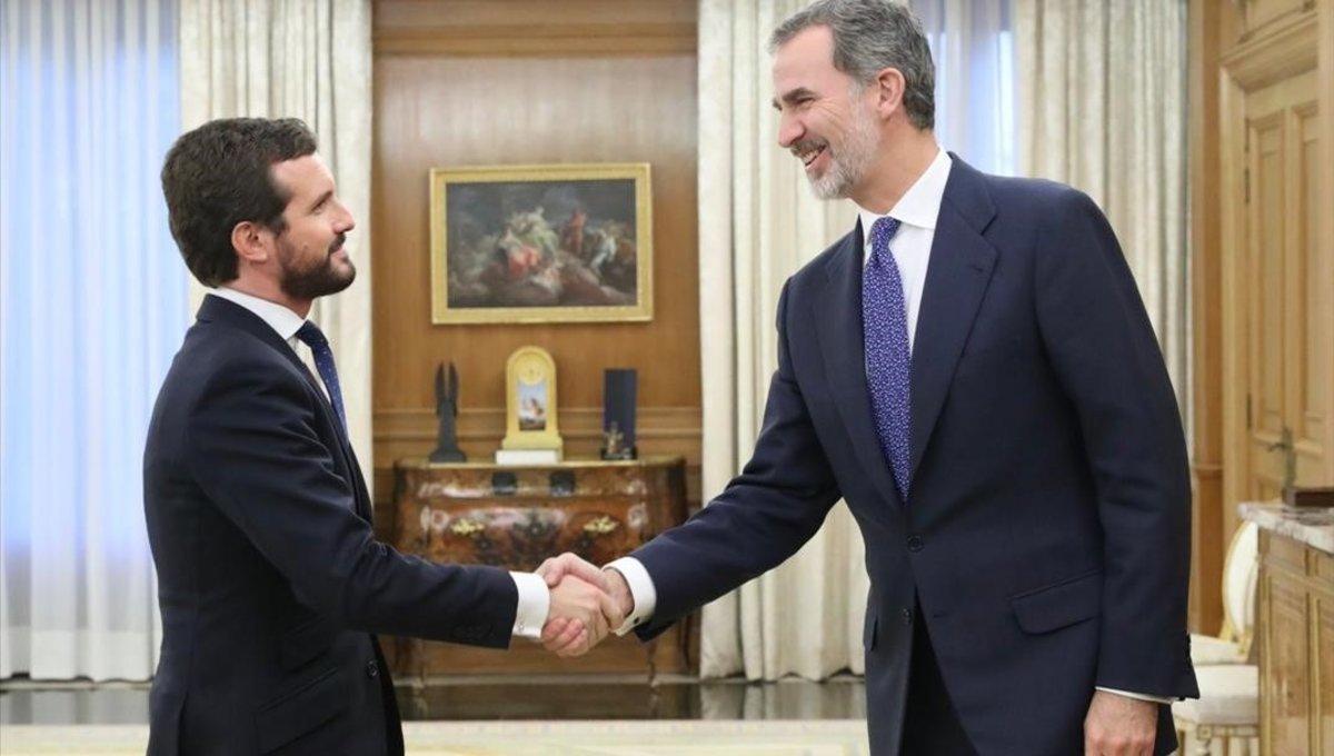 Pablo Casado y el rey Felipe VI, este miércoles en la Zarzuela.