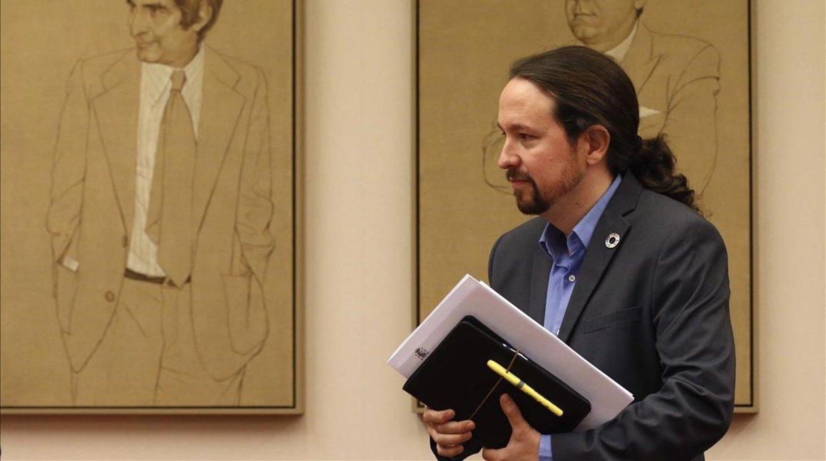 El vicepresidente segundo del Gobierno, Pablo Iglesias, al inicio de su comparecencia a petición propia en la comisión de Derechos Sociales.
