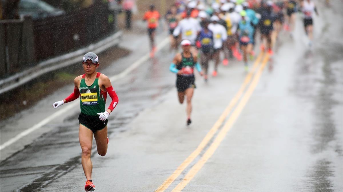 Yuki Kawauchi, destacado de los atletas africanos en Boston.