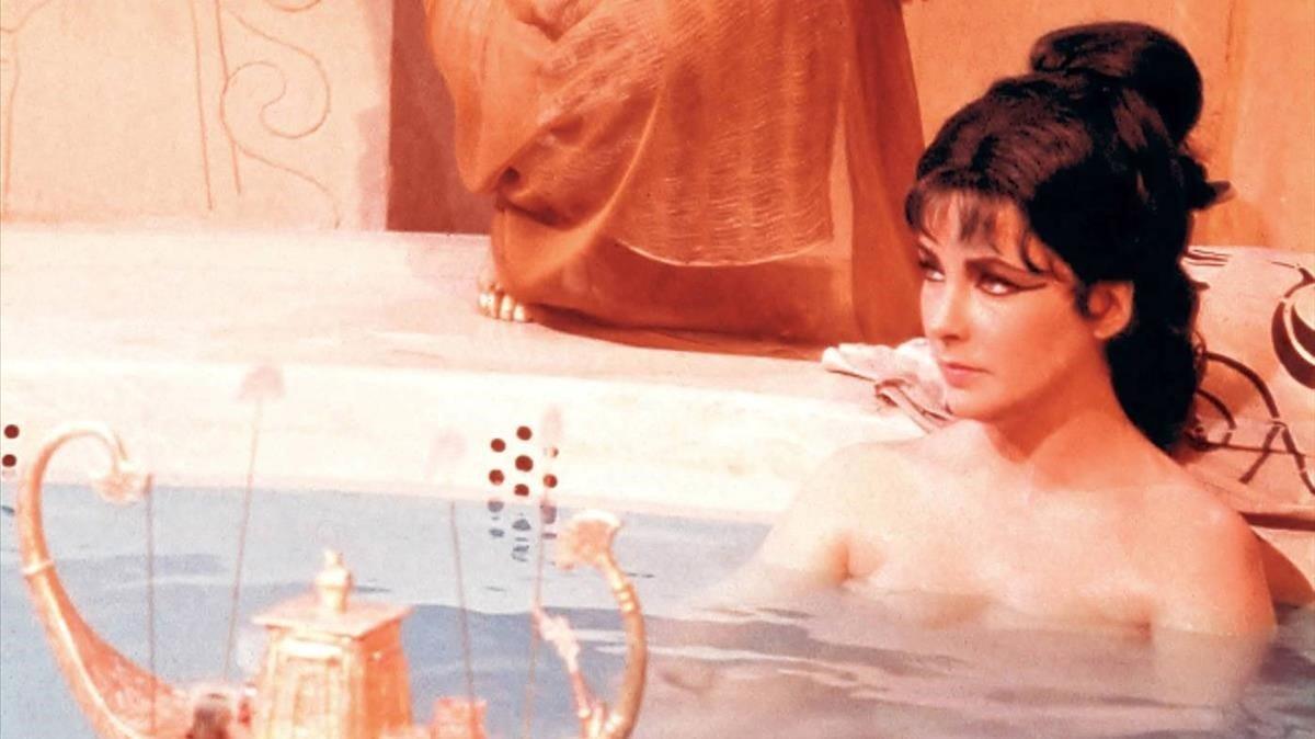Elisabeth Taylor, durante su icónica interpretaciónde Cleopatra en el cine.