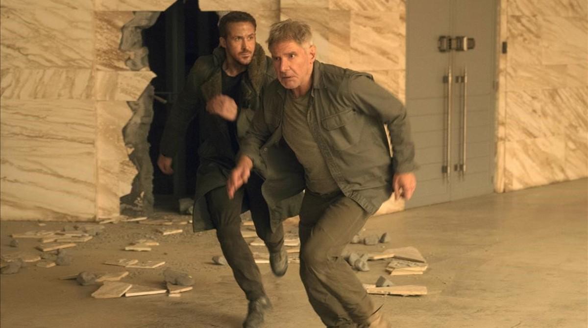 Ryan Gosling y Harrison Ford, en una escena de Blade Runner 2049.