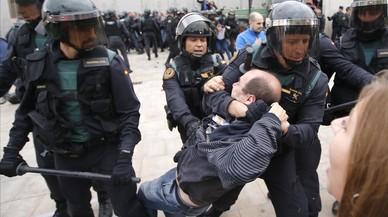 El jutge de Lleida veu indicis de delicte en els xats dels caps dels Mossos