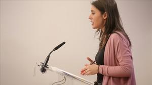 Irene Montero, en una rueda de prensa en el Congreso.