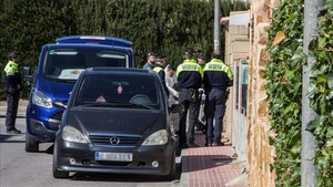 Assassinats a cops una dona i el seu fill adult a Múrcia