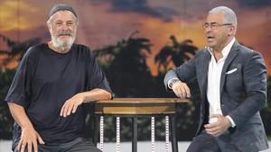 Un demacrado cantante Francisco y Jorge Javier Vázquez, en la última gala de Supervivientes en Tele 5.