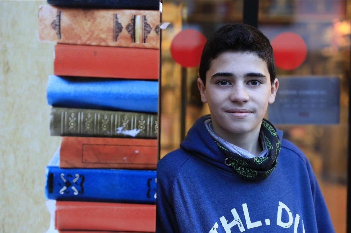 Arnau Seu, de 14 años, habla sobre el hábito de lectura.