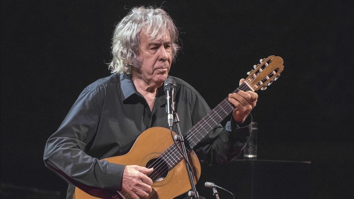 Paco Ibáñez, en el Palau de la Musica, el viernes.