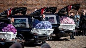 Emotiu funeral a Dinamarca dels tres fills del multimilionari Povlsen