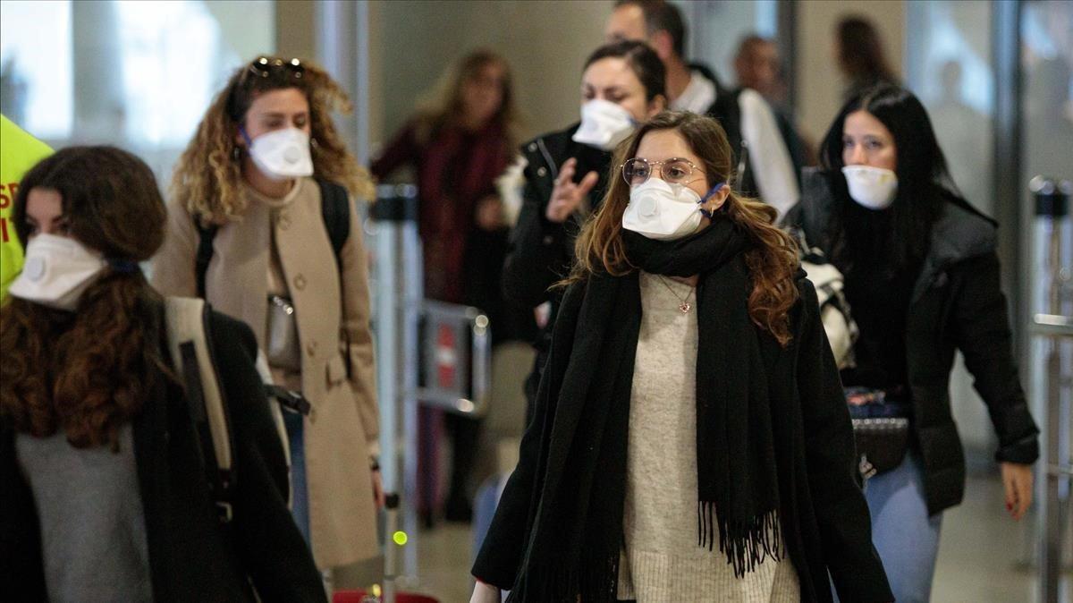 Un metge de Màlaga roba 300 mascaretes pel coronavirus