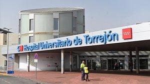 El Hospital Universitario de Torrejón, donde permanece ingresado el enfermo más grave.