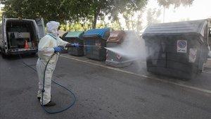 Viladecans consolida el servei de desinfecció de l'espai públic fins a final d'any per evitar la propagació de la Covid-19