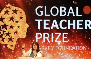 undefined37738260 canadian teacher maggie macdonnell delivers a speech after r170319184713