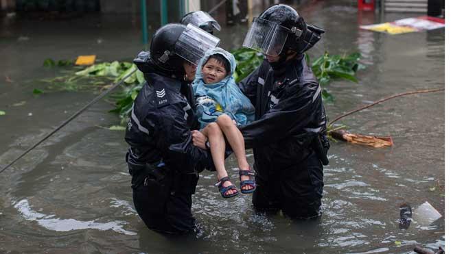 >Ascienden a 28 los muertos causados por el tifón Phanfone en Filipinas