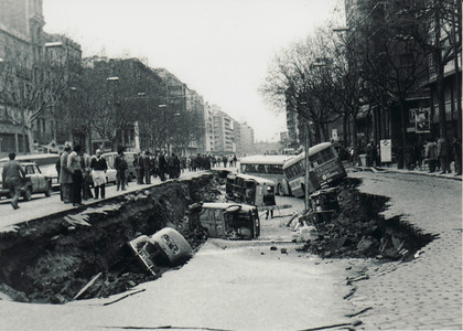 La avenida del Paral·lel, hundida.