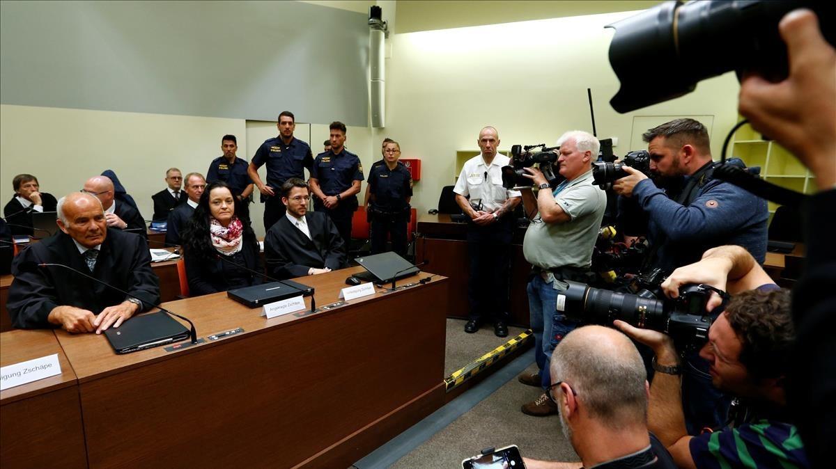 Cadena perpetua para la neonazi alemana que mató a diez personas