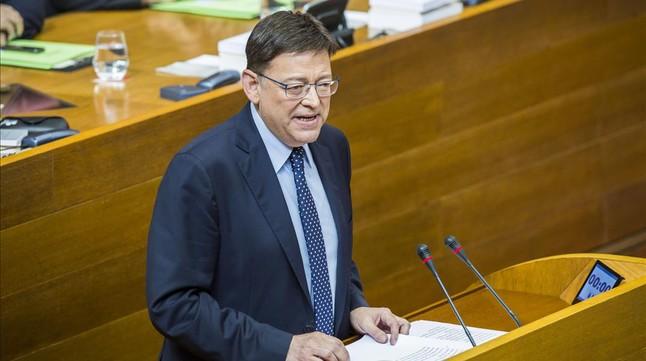 El candidato del PSPV, Ximo Puig, durante su discurso de investidura en Les Corts valencianas.