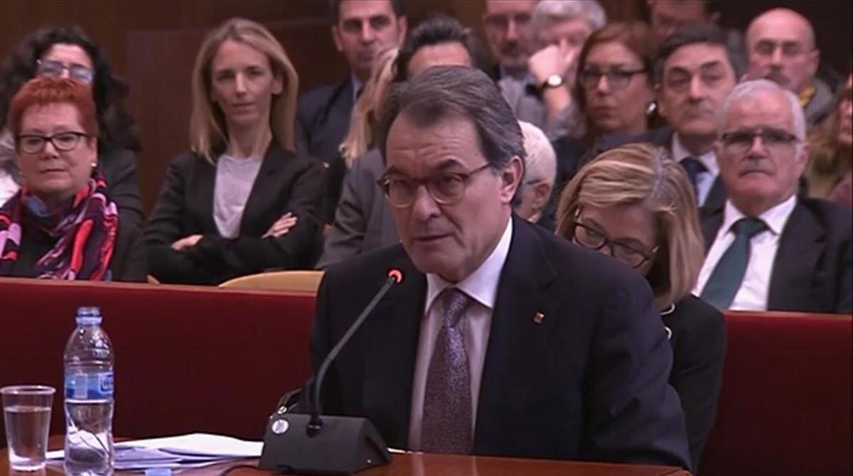 Captura de vídeo de la declaración de Artur Mas en el juicio del 9-N en el TSJC.