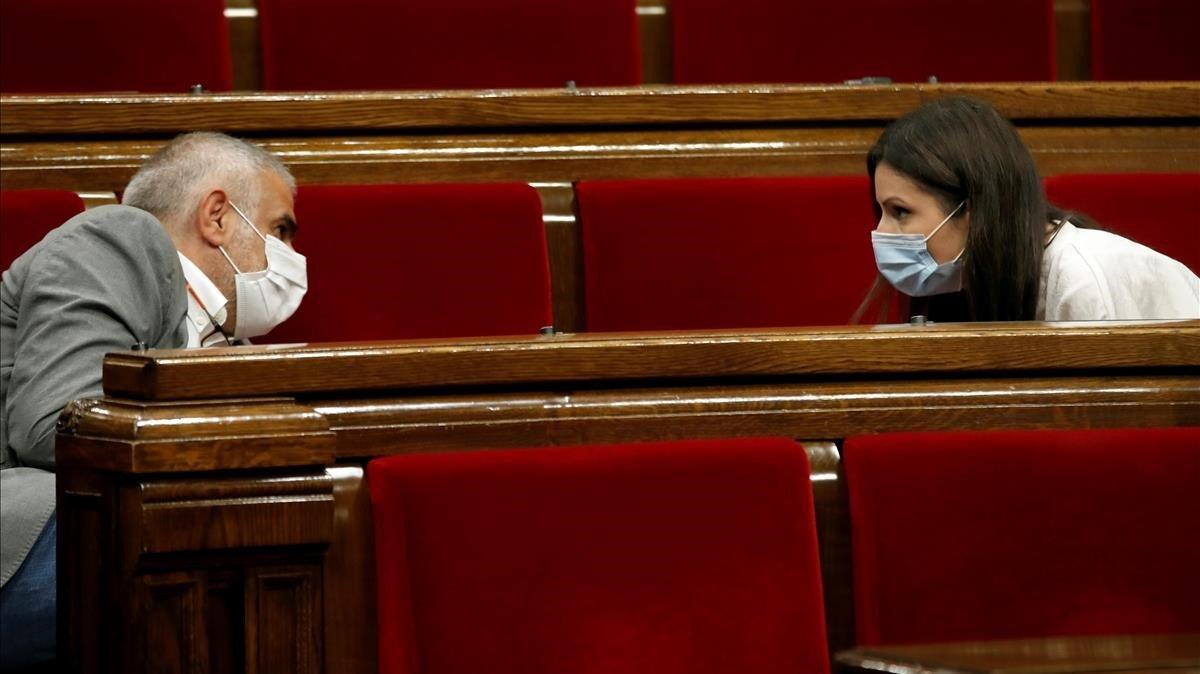Carlos Carrizosa y Lorena Roldán, en el Parlament