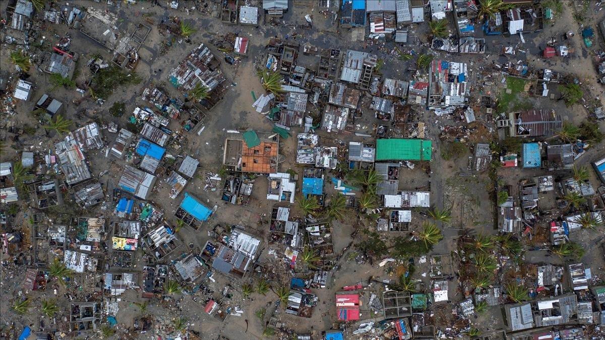 Vista aérea en Praia Nova (Beira) después del ciclón Idai