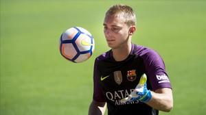 Cillessen, en su presentación como jugador del Barcelona en el Camp Nou.