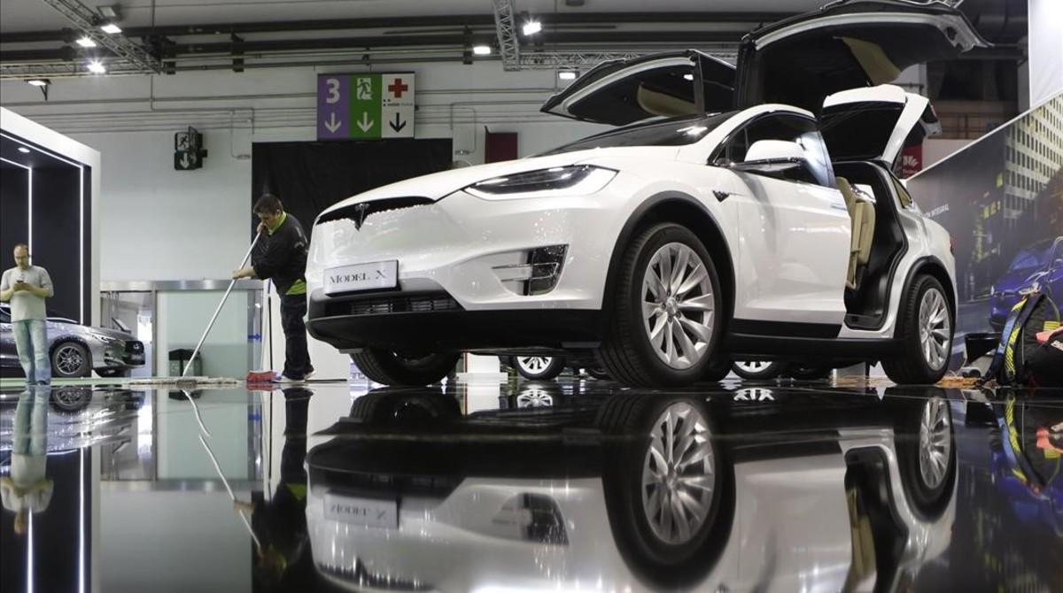 Coche de Tesla en el Salón Automobile Barcelona.