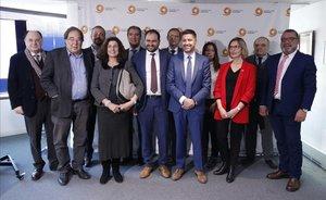 Consejo consultivo de Societat Civil Catalana, con el presidente de la entidad, Fernando Sánchez Costa.