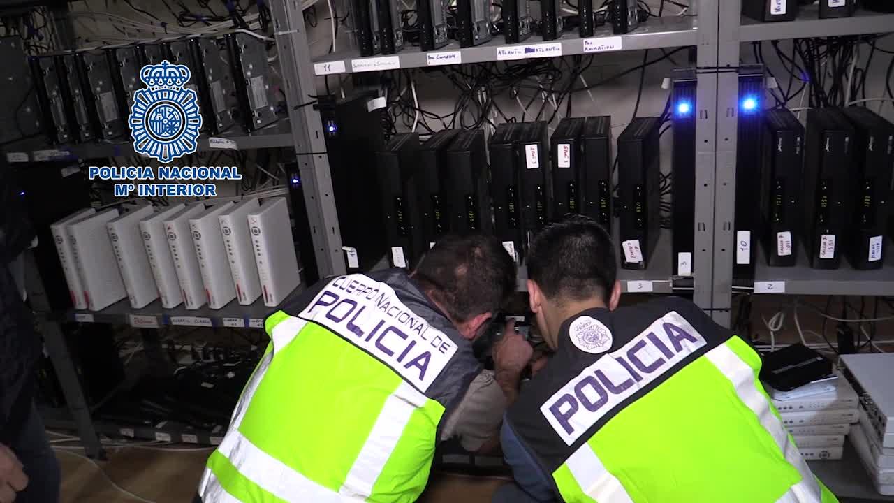 Desarticulado en Barcelona un centro que ofrecía señal pirata de televisión.