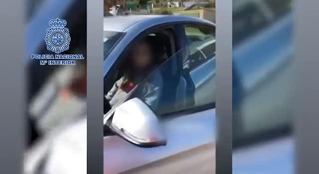 Detenida una menor por conducir un coche a más de 220 kilómetros por hora.