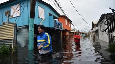 Trump defiende su criticada lenta reacción ante la devastación en Puerto Rico