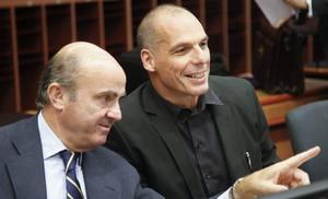 Guindos y Varoufakis antes de la reunión de este sábado.