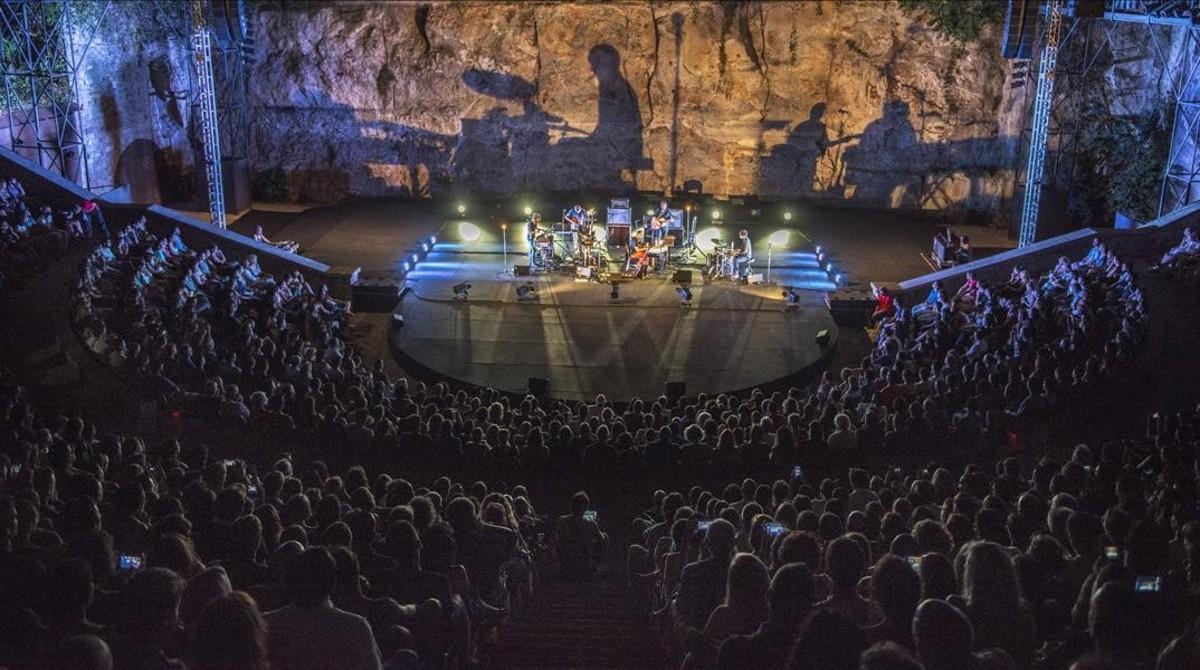 El teatre Grec, durante un concierto del festival de verano del 2015 protagonizado por Yann Tiersen.