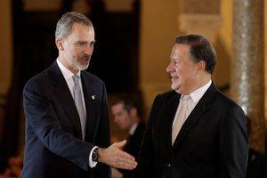 El rey de España,Felipe VI, con el presidente de Panama,Juan Carlos Varela.