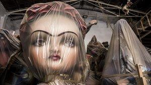 La figura de Frida Kahlo, una de las principales de la Falla 'Vote for Women' del artista Manolo Algarra