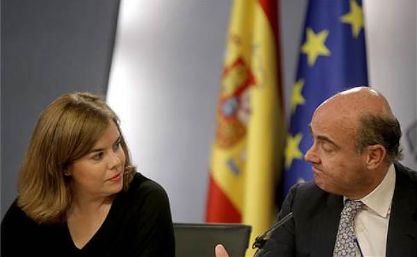 Soraya Sáenz de Santamaría ha afirmado que España afronta los problemas de Grecia con solvencia gracias a la situación económica española.